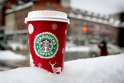 christmas-coffee-starbucks-starbucks-coffee-winter-favim-com-343274 (1).jpg